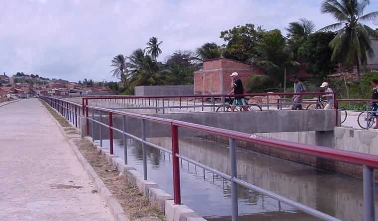 Canal no bairro Santos Dumont está em fase de conclusão