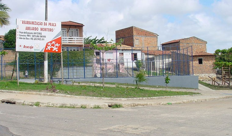 PMA reurbaniza praça no conjunto do IPES