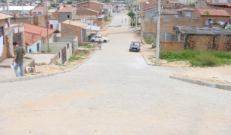PMA conclui serviços de pavimentação no bairro São Carlos