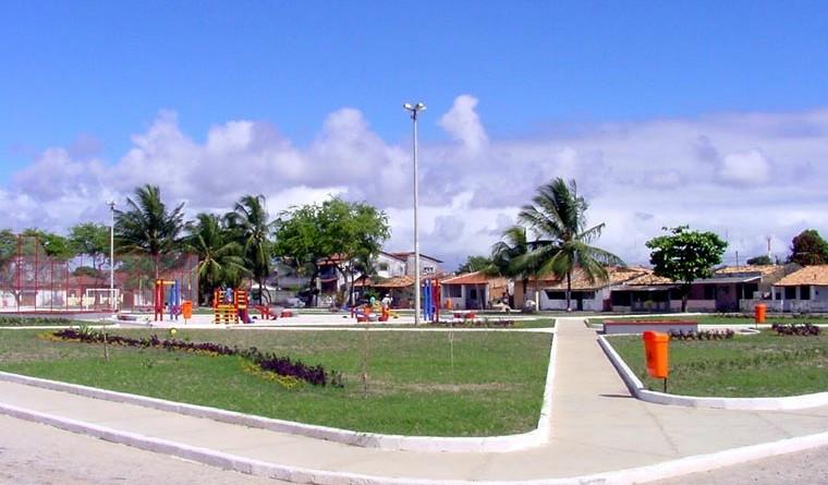 Praças do Jardim Esperança serão inauguradas hoje pela PMA