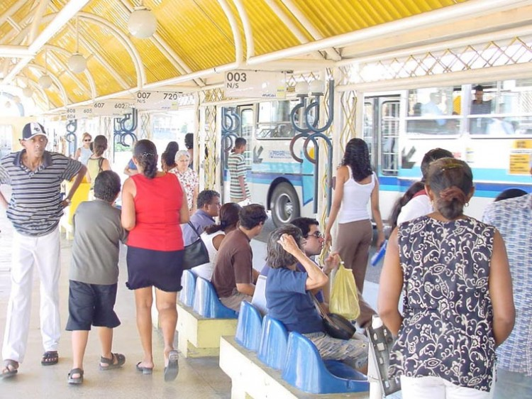 Terminais de ônibus de Aracaju serão reformados pela prefeitura