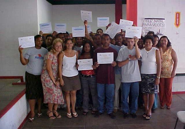 Adolescentes assistidos pela prefeitura concluem cursos de capacitação