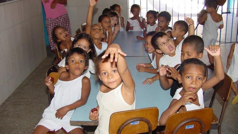 Crianças do Porto Dantas encontram proteção e lazer no Centro Berenice Campos