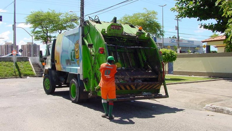 Serviço de limpeza urbana em Aracaju recebe elogios da população