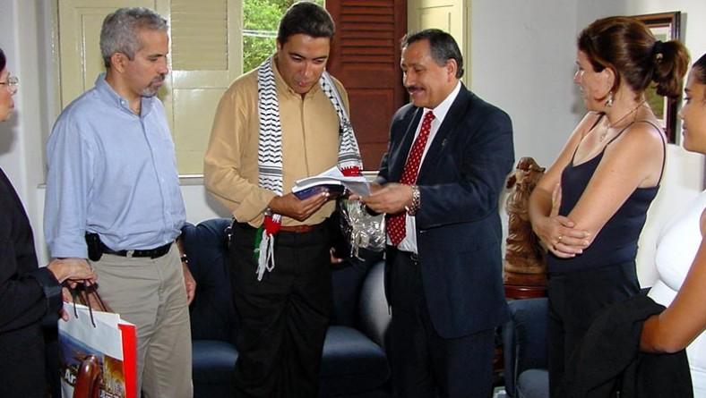 Prefeito recebe visita de embaixador da Palestina