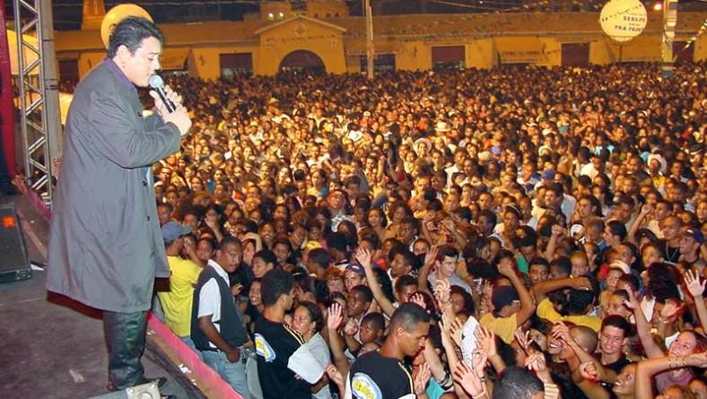 Daniel Dial faz um dos maiores shows do Forró Caju
