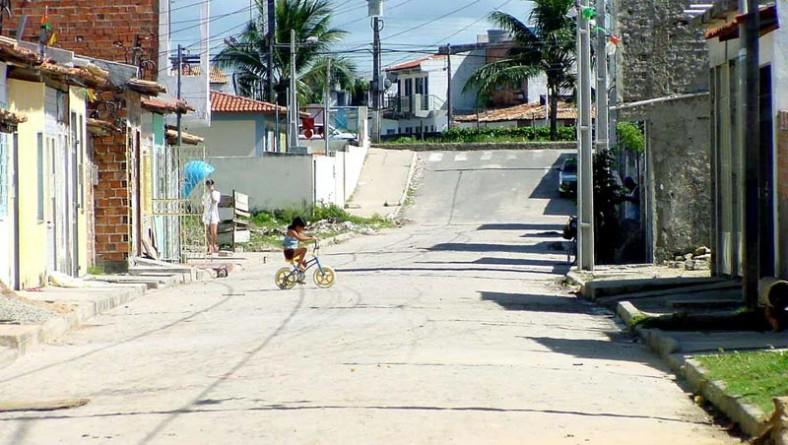 Obras de drenagem e pavimentação nas ruas do São Conrado recebem aprovação popular