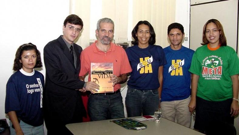 Jovens da Igreja Adventista visitam vice-prefeito de Aracaju
