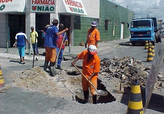 Equipes da Emurb atuam em diversos pontos da cidade