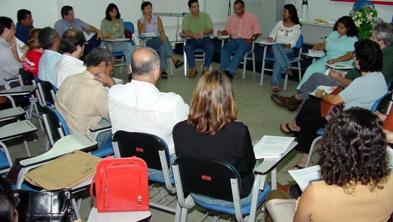 Secretarias municipais se reúnem com Missão Criança para discutir ações conjuntas