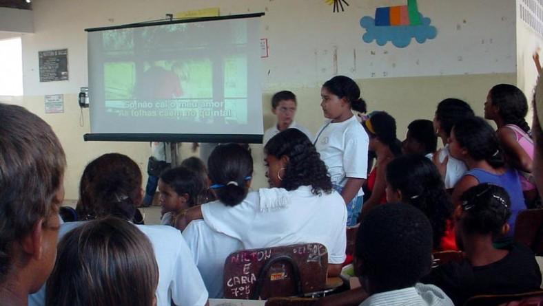 Alunos do Santa Maria participam de evento cultural na escola Laonte Gama