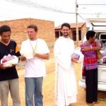 Secretaria de Assistência Social entrega cestas de alimentos em comunidades carentes - Fotos: Abmael Eduardo  AAN