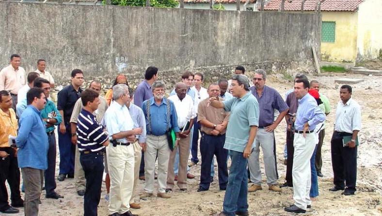 Prefeito apresenta obras da zona Norte à imprensa