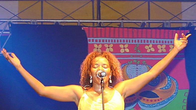 Grandes nomes da música carnavalesca se apresentaram no Carnaju 2003