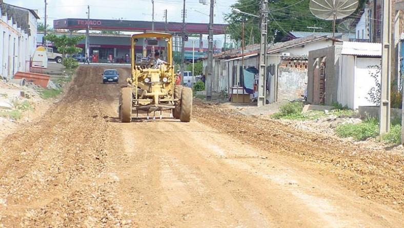 Prefeitura realiza obras de infra-estrutura em ruas do bairro Pereira Lobo