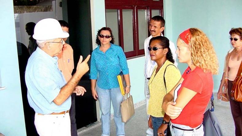 Secretárias visitam obra de reforma e ampliação de escola na Coroa do Meio