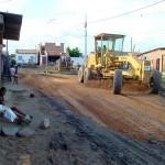 Ação emergencial resolve problemas de alagamentos em ruas da Coroa do Meio - Açõa Emergencial: máquinas em ritmo intenso
