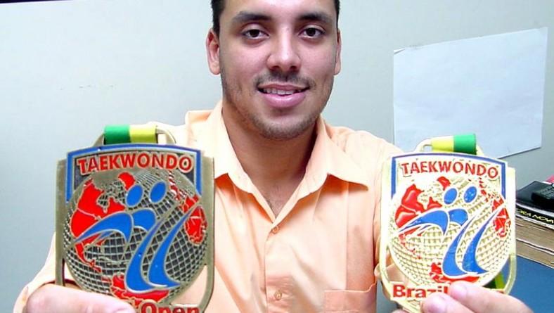 Atleta da Guarda Municipal conquista medalhas no Brasil Open 2003 de taekwondo