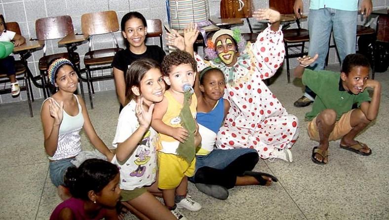 Crianças do Grageru solicitam campanha de arrecadação de livros durante o OP Mirim