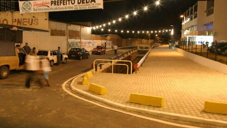 Urbanização da rua Teixeira de Freitas foi inaugurada na noite de ontem