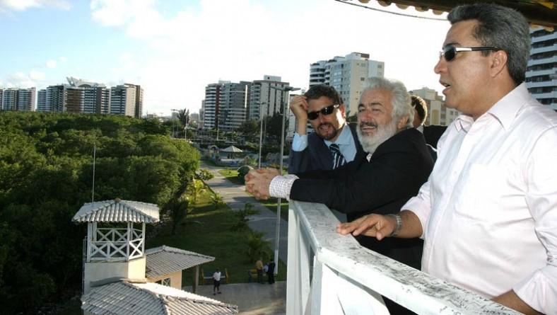 Membros de delegação italiana visitam bairros de Aracaju