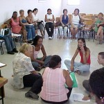 Professores realizam práticas pedagógicas com alunos que apresentam deficiência visual e auditiva - Fotos: Walter Martins  AAN  Clique na foto e amplie