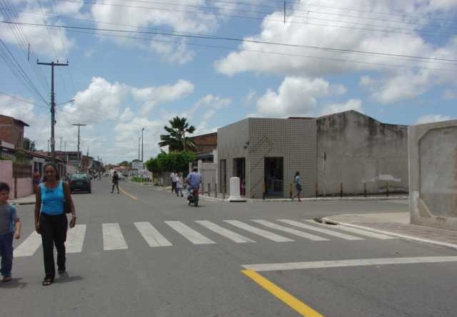 Rua General Prado, no Santos Dumont, está sendo pavimentada