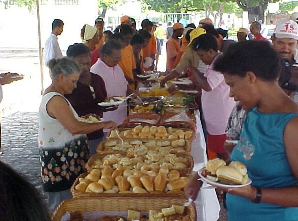 Emsurb realiza café da manhã para funcionários