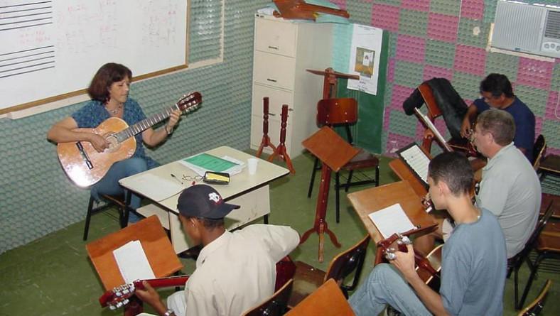 Escola Municipal de Artes inicia período de aulas na próxima segunda-feira