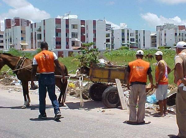 Prefeitura prossegue com fiscalização sobre despejo irregular de entulho na cidade