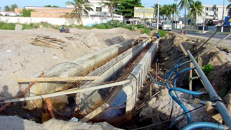 Construção de galeria de concreto irá evitar alagamentos na Atalaia e Coroa do Meio