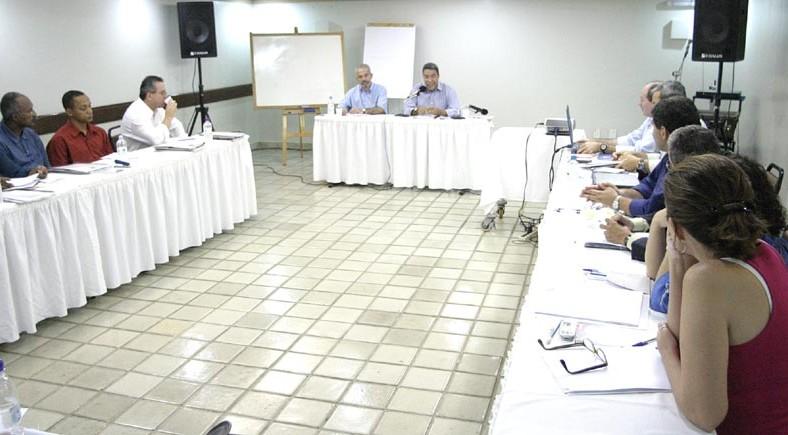 Secretários municipais apresentam trabalhos em reunião com o prefeito e o vice