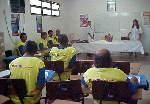 Servidores do Centro de Controle de Zoonoses são alfabetizados