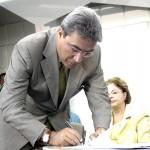 Prefeito participa do lançamento do projeto Luz Para Todos com a ministra de Minas e Energia - Fotos: Márcio Dantas