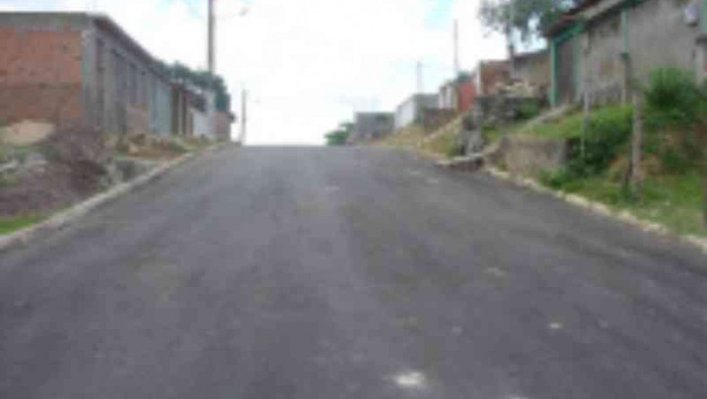 Emurb recupera ruas no bairro Soledade