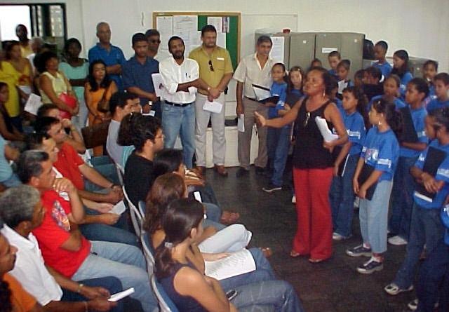 Secretaria Municipal de Educação homenageia aniversariantes do mês