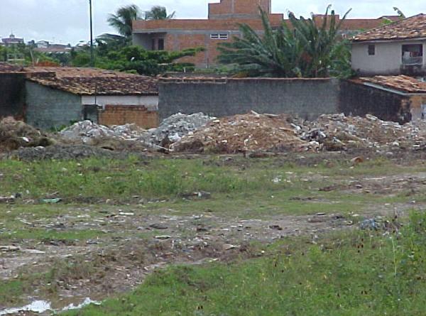 Terreno baldio é regularizado após intervenção da Emsurb