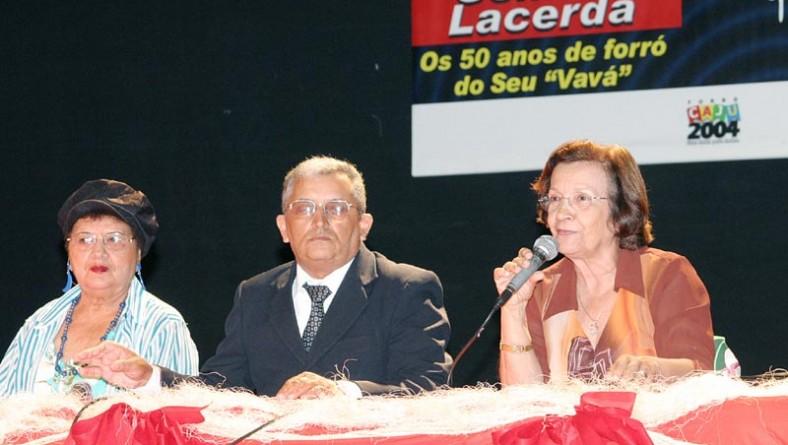 Fórum de Forró de Aracaju é encerrado com homenagem a Clemilda