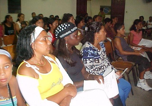 Primeiros diplomas do programa Brasil Alfabetizado são entregues