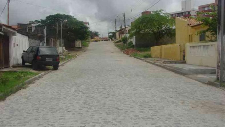 Ruas do bairro Luzia são recuperadas pela Emurb