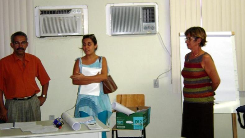 Moradores da Coroa do Meio participam de curso sobre organização empresarial