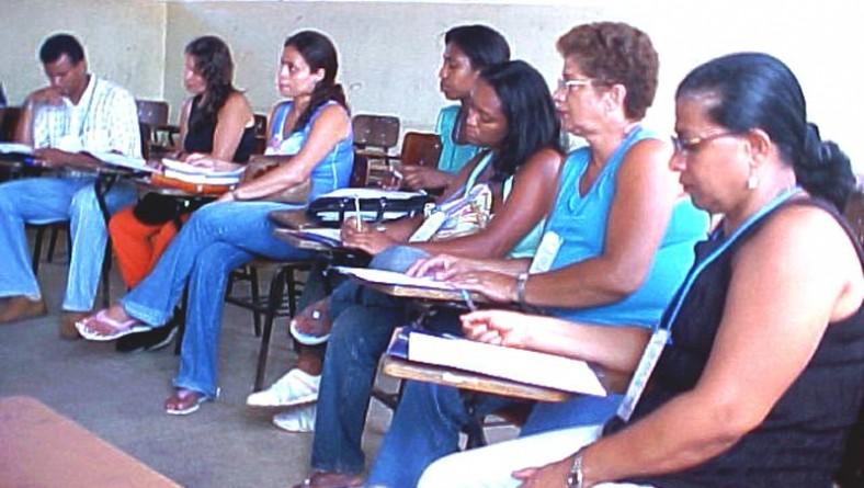 Professores da escola Laonte Gama participam de capacitação em Matemática