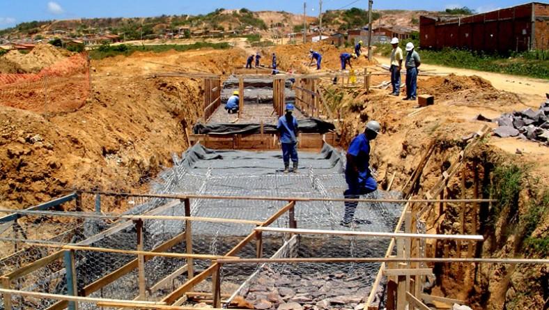 Obras avançam no Canal Santa Maria