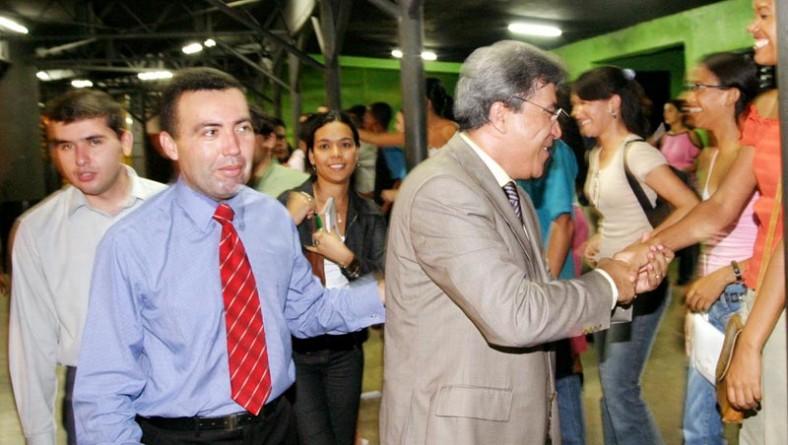 Prefeito participa da inauguração da Rádio Sara Brasil FM