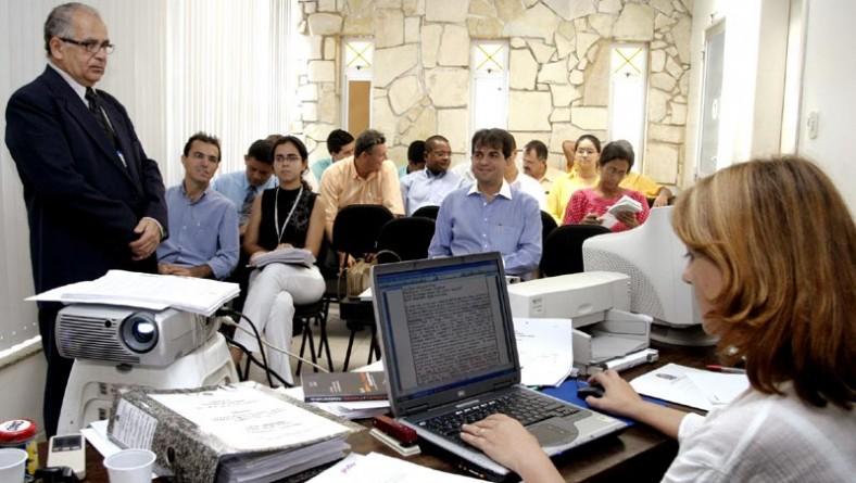 PMA realiza pregão para compra de móveis do novo Centro Administrativo