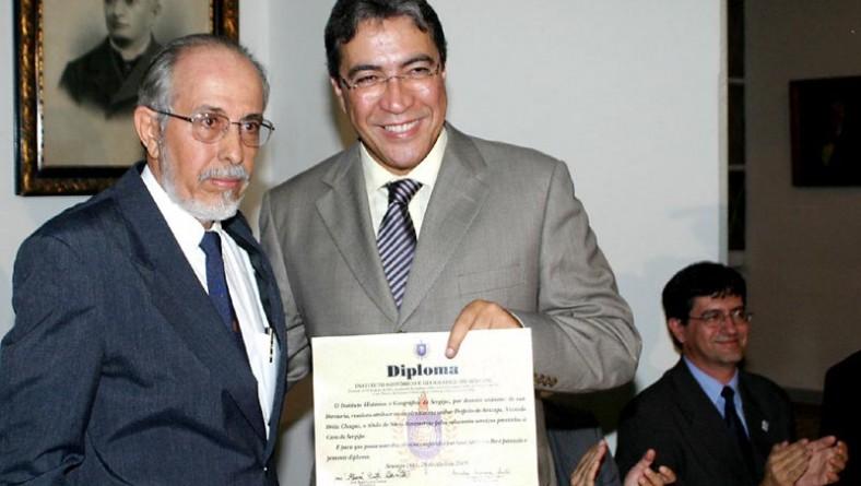 Marcelo Déda e José Eduardo Dutra recebem título de Sócio Benemérito do IHGS