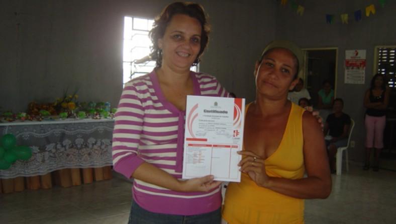 Mulheres são qualificadas em curso de biscuit oferecido pela Prefeitura de Aracaju