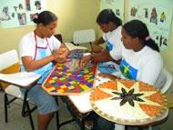 Cursos profissionalizantes estimulam inserção de adolescentes no mercado de trabalho