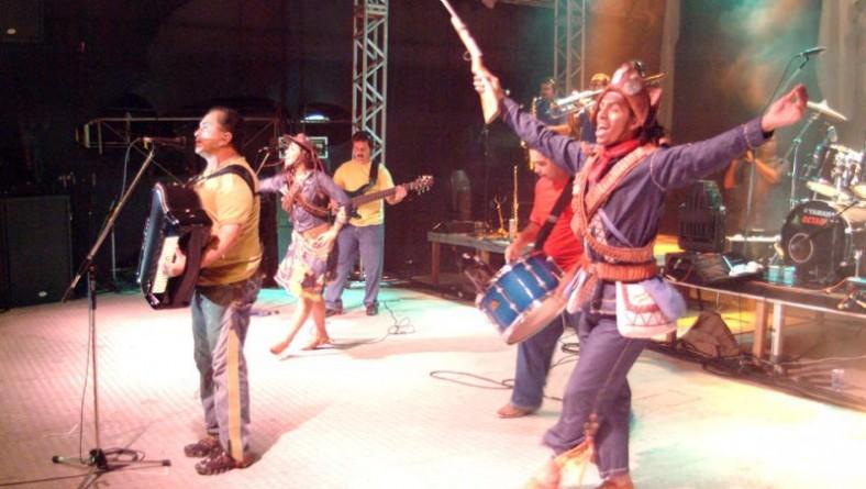 Flávio José faz um dos shows mais esperados do Forró Caju