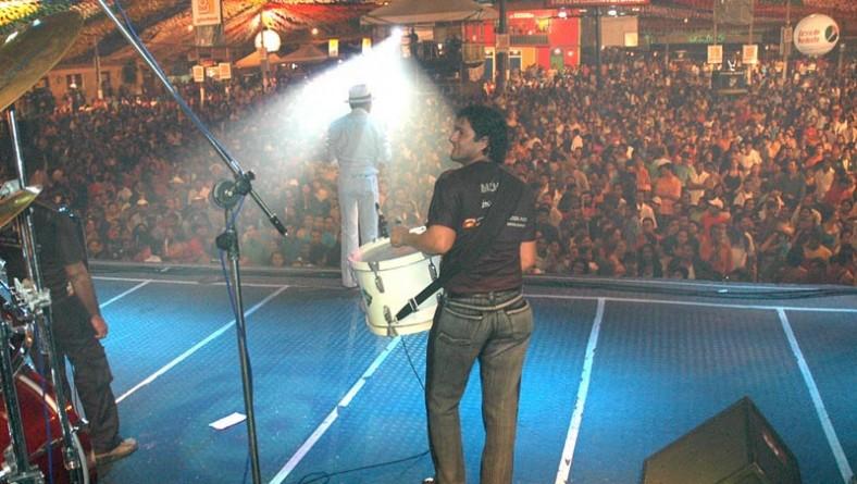 Alcymar Monteiro atrai forrozeiros a praça Hilton Lopes